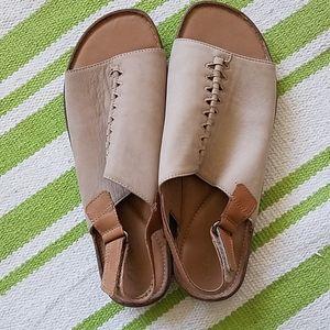 Clark's artisan sandles